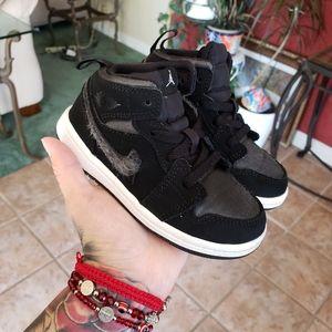 Jordan 1s 8c